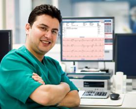 Doctor using Cardio Server