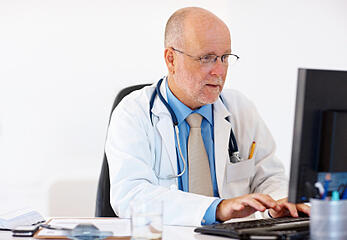Physician Reading ECGs Online