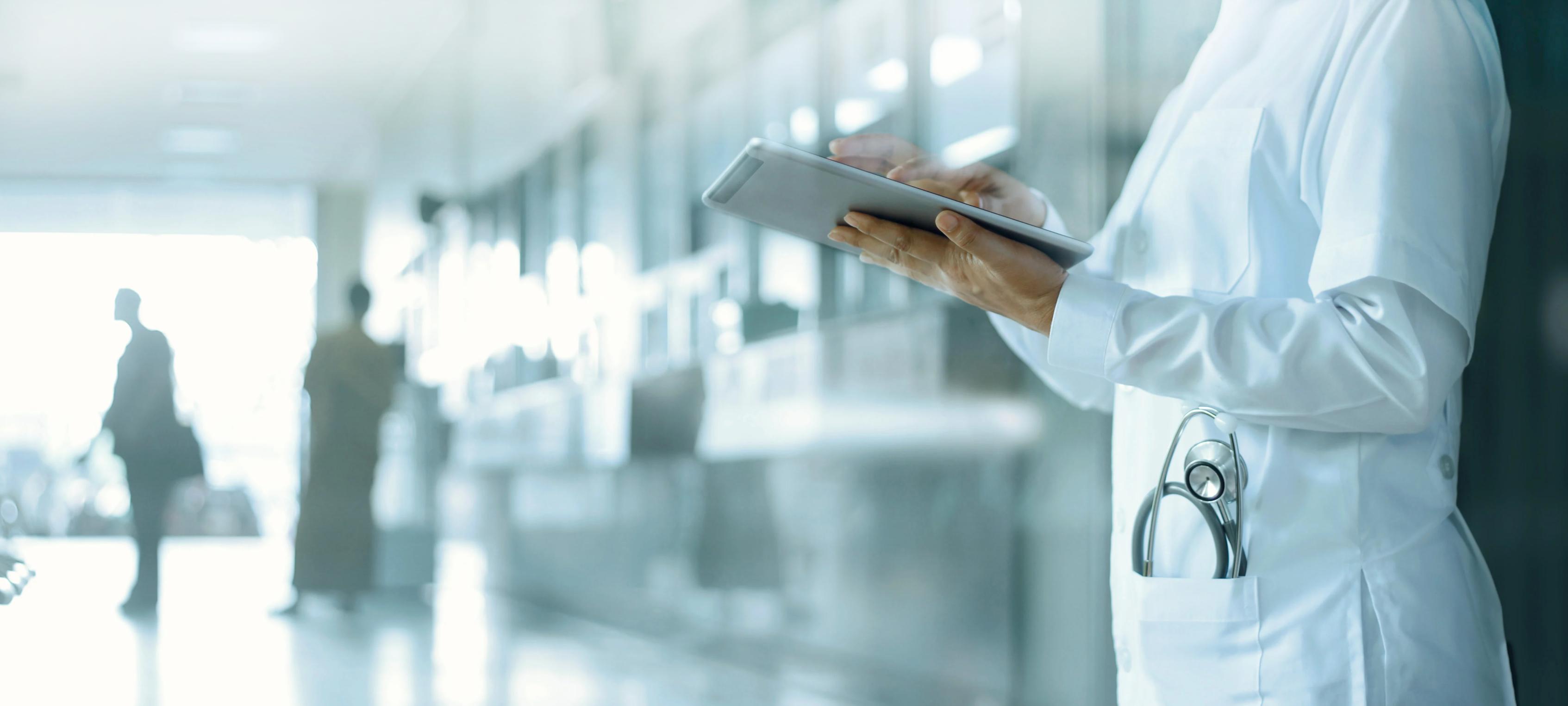 physician-tablet-cardio-server-1
